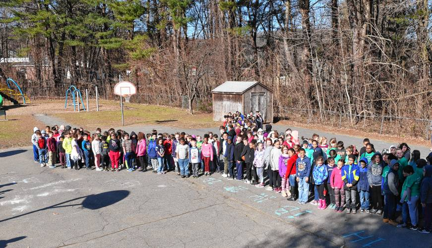 Newton students line up in Y-shape
