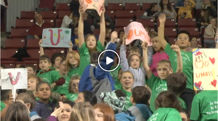 Elementary students go to UMASS basketball game